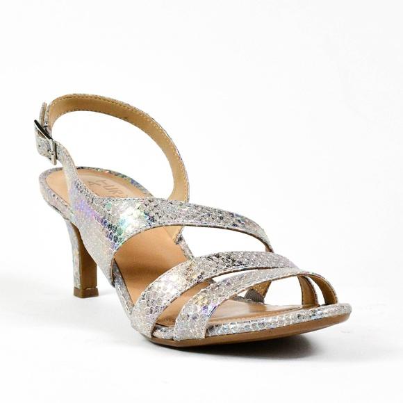 5a30ce4cd75f Naturalizer Women s Taimi Dress Sandals